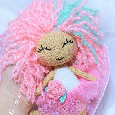 Crochet doll amigurumi pattern