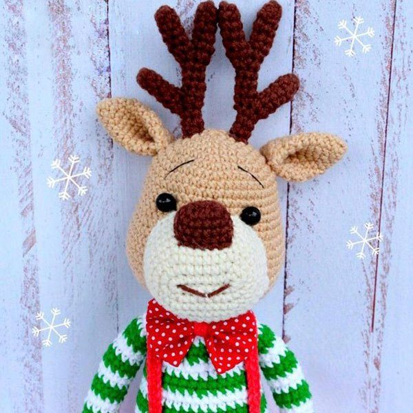 Christmas deer amigurumi pattern