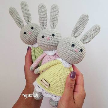 Amigurumi bunny in crochet dress