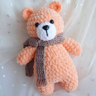 Plush bear amigurumi
