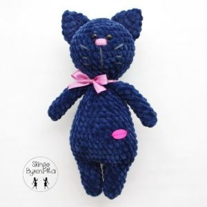 Plush cat amigurumi
