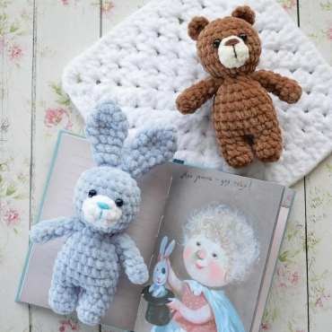 Crochet bear and bunny amigurumi