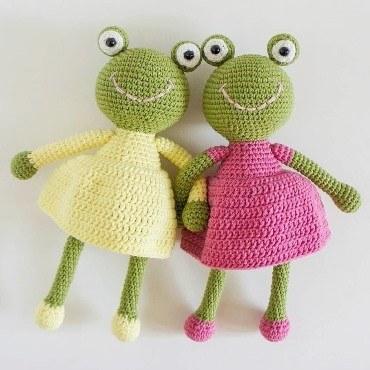 Crochet frogs amigurumi