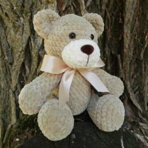 Crochet plush bear amigurumi
