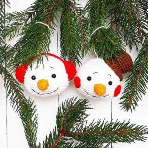 Christmas ornament crochet snowman