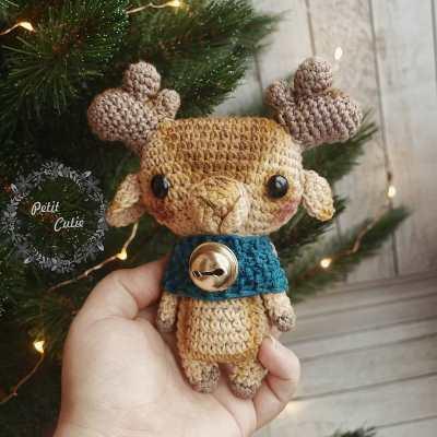Crochet elk amigurumi
