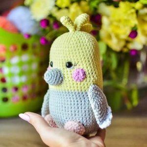 Amigurumi parrot crochet toy
