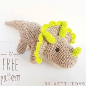Crochet dinosaur amigurumi