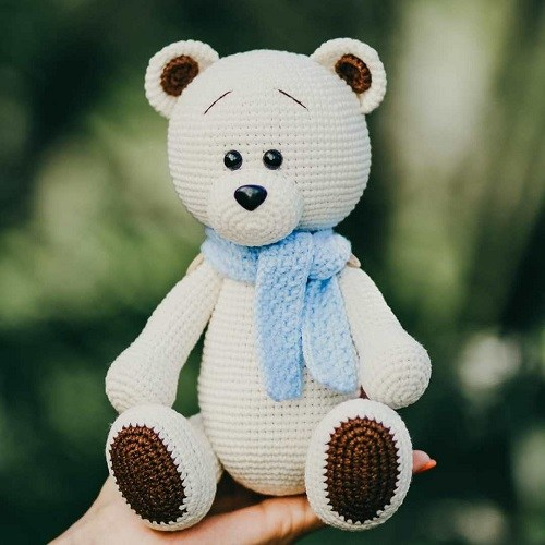 Amigurumi bear crochet toy