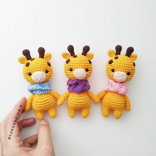 Giraffe Crochet Patterns -Amigurumi Tips - A More Crafty Life | 500x500