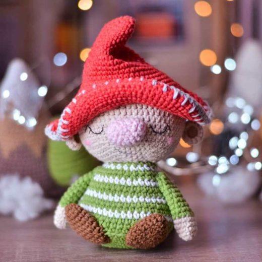 Gnome amigurumi crochet doll