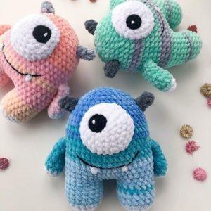 Crochet monsters amigurumi