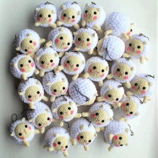 Free Lion Amigurumi Pattern Pattern - Crochet Pattern - Daisy and ... | 520x520