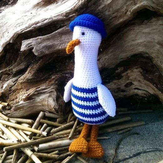 Crochet seagull amigurumi
