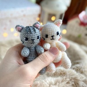 Tiny kitten amigurumi