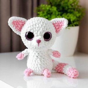 Crochet plush lemur amigurumi