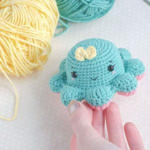 Reversible octopus amigurumi